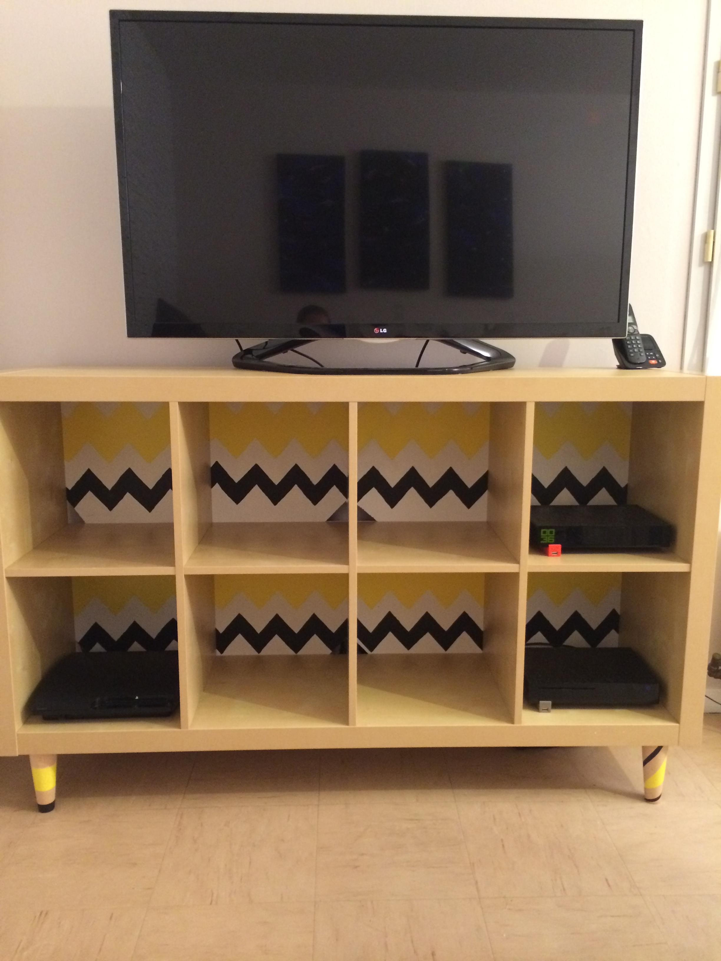 un meuble tv original avec ce diy blog d co chez viviane. Black Bedroom Furniture Sets. Home Design Ideas