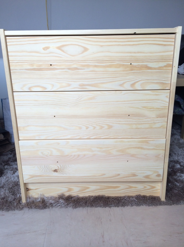 photo 2 - Une commode Ikea qui prend des couleurs